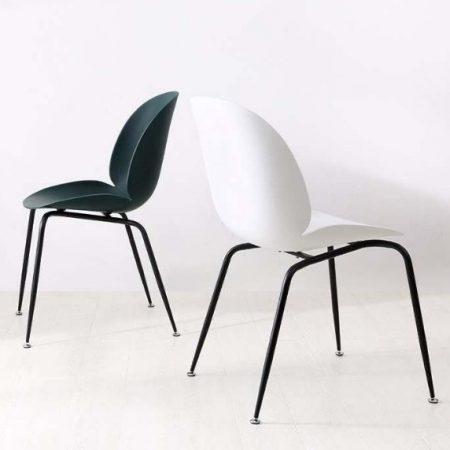Chaise En Plastique Simple